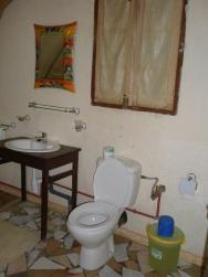 Grace Lodge Andasibe - hlavní budova - apartmá - koupelna