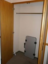 skřín v pokoji