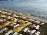 Salamis Bay - pláž