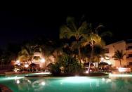 pohled na hotel v noci