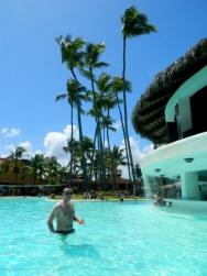 druhý bazén s poolbarem