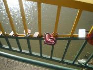 Most pro zamilované přes řeku Už v Užhorodě