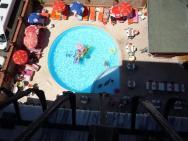 Bazém pod hotelem