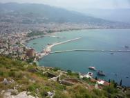 Výhled na přístav z hradu