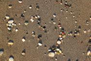 Písčitá pláž s malými kamínky - nejsevernější a nejdelší pláž u Kylimbie, asi 5-7 min od hotelu.