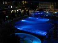 Bazén v noci