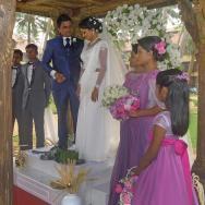 Svatba ve vedlejším hotelu.