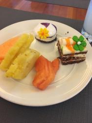 Malá ukázka dezertů a ovoce