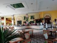 lobby bar v hale