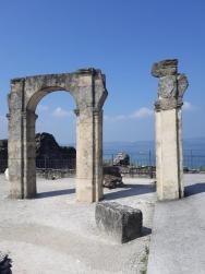 císařský palác, lázně poloostrov Sirmione