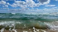 Vlny jsou zde v září už často.