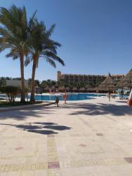 U bazénu